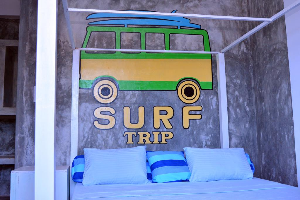 Surf accommodation at Cheeky Monkey surf camp in Sri Lanka